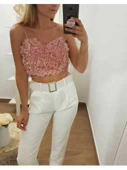 Top flores rosa en relieve // Pantalon blanco