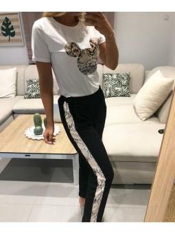 Pantalon negro franja serpiente  // Camiseta silueta Mickey serpiente
