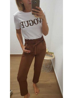 Pantalón lazada marrón // camiseta vogue leopardo