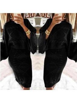 Conjunto lana nudos negro falda y sueter