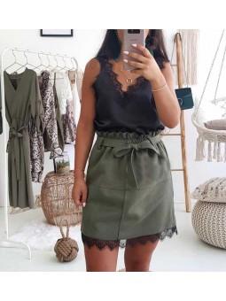 Falda verde piel sintetica puntilla