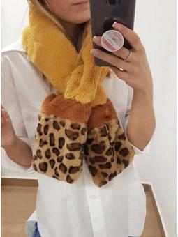 Bufanda mostaza leopardo