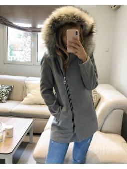 Abrigo gris capucha pelo