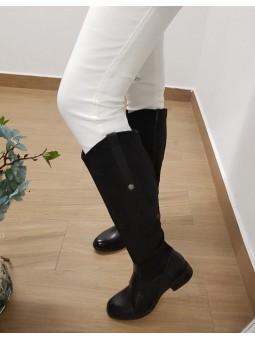 Botas negras media caña...