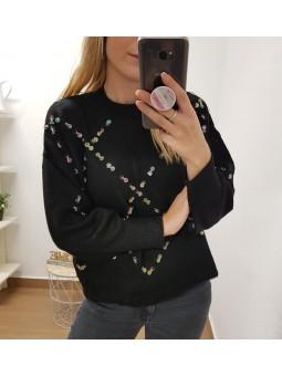 Suéter negro lentejuelas...