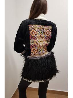 Abrigo negro pelito étnico