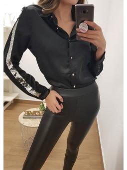 Camisa negra franja...
