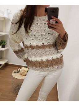 Suéter tonos beige trenzado...