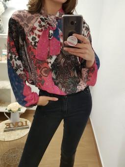 Blusa patchwork flores...