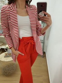 Pantalón rojo lazada