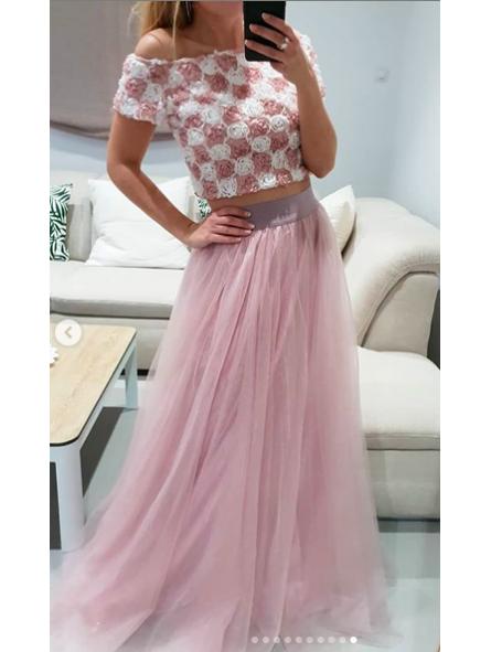 1ba642806 Falda tul rosa // top flores escote barca rosa y blanco