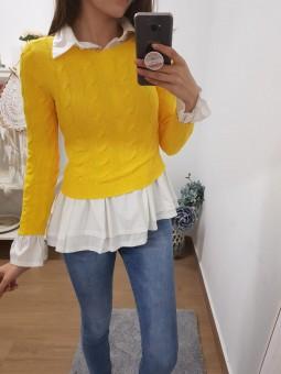 Suéter amarillo trenzado corto