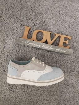 Zapatos cordones azul clarito