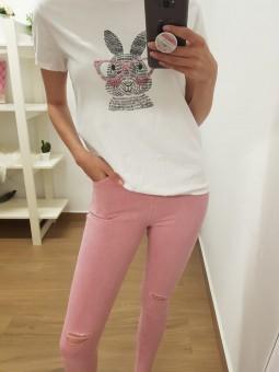 Pantalón rosa detalle rodillas