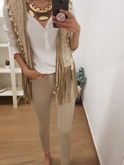 Pantalón vaquero beige