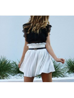 Falda plisada blanca