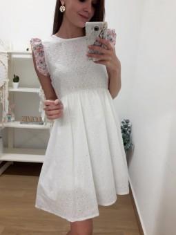 Vestido blanco perforado...