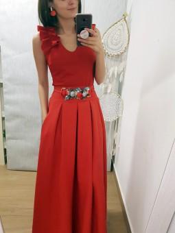 nuevo producto d9f55 67e89 Top de fiesta hombros fruncidos // falda de pinzas roja // cinturón cordón  rojo florecitas