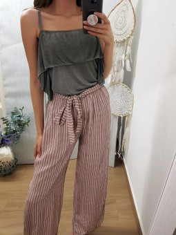 Blusa gris capa asimétrica