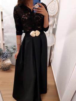 Falda negra de pinzas