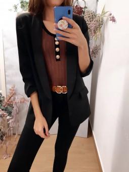Suéter marrón ribete negro