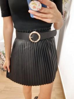 Cinturón negro ancho...