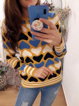 Suéter corazones mostaza,...