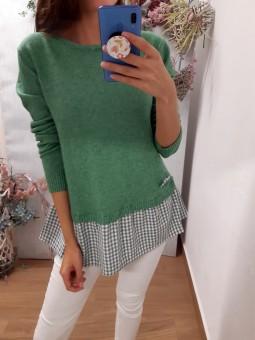 Suéter verde faldón cuadros...