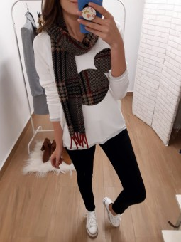 Conjunto suéter silueta...