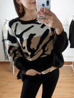 Suéter tricolor tonos camel...