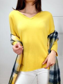 Suéter punto liso amarillo...
