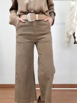 Pantalón tobillero camel...