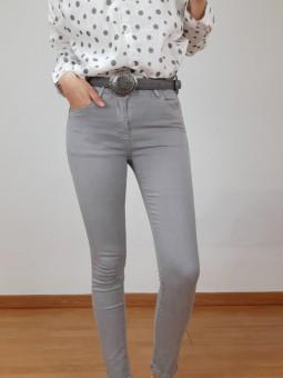 Pantalón vaquero gris claro...