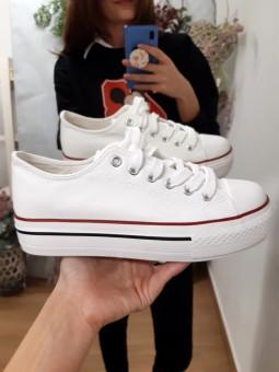 Zapatillas blancas doble...
