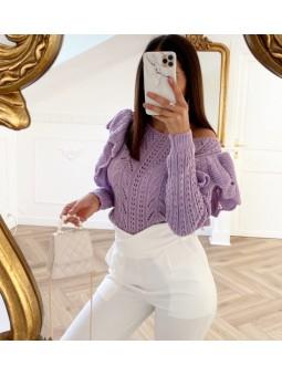 Suéter lila troquelado...
