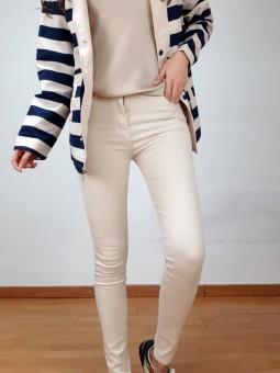 Pantalón vaquero color...