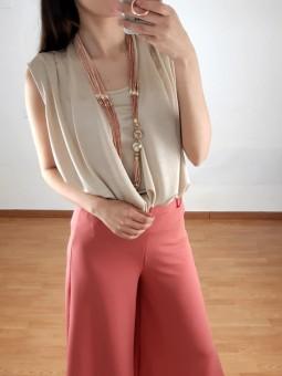 Blusa beige cruzada brilli...