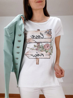 Camiseta love now flores y...