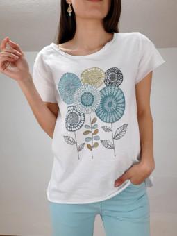 Camiseta flores aguamar y...