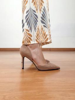 Zapato de salón beige...