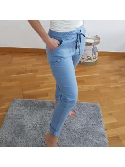 Pantalón azul elástico...