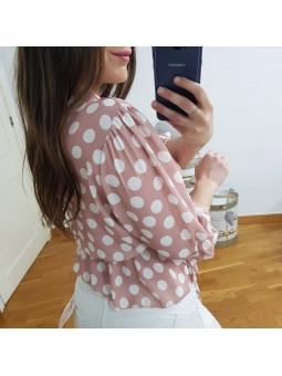 Blusa rosa cruzada lunares...