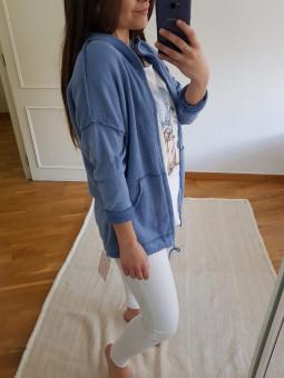 Chaqueta azul capucha rizo