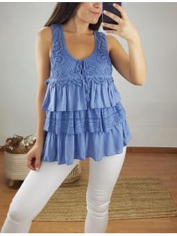 Blusa azul volantes croché