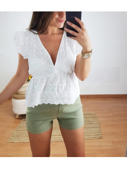 Blusa Riviera blanca escote...