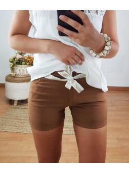 Pantalón corto marrón...