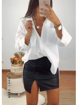 Falda corta polipiel negra...