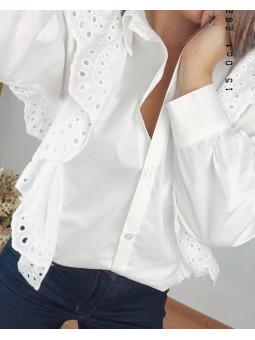 Camisa blanca troquelada...