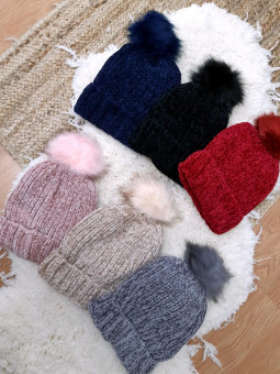 Gorro de lana chenilla  pompón