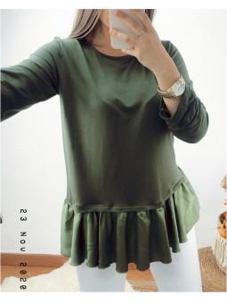Camiseta verde militar bajo...